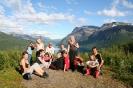 Ungene som var med på barnerideskolen avsluttet med en ridetur opp til Čeallu, mellom Manndalen og Skardalen. Utsikt innover Kåfjorden. Foto: Evald Bjerkli